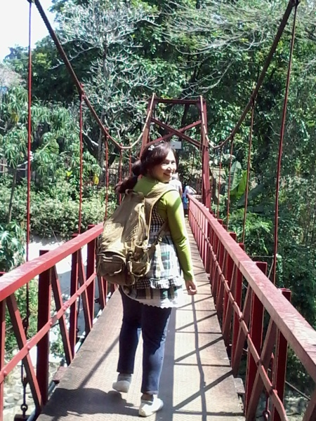 20160802_124054_Red Bridge A Walk in BybyElle Bogor Botanical Gardens